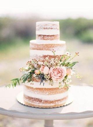 Tort weselny w stylu naked cake - zdjęcie 3
