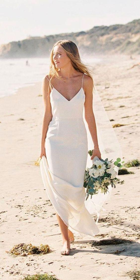 suknia ślubna na plażę
