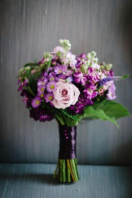 Kolor roku Pantone - ultra violet jako motyw przewodni 40