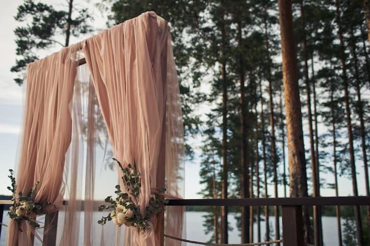 ślub w plenerze las