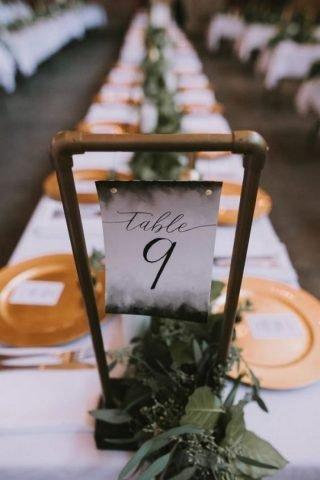 wesele w stylu industrialnym - numery stołów
