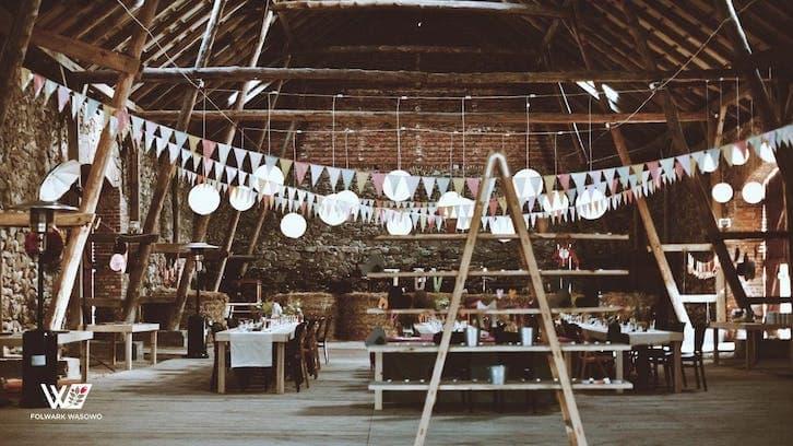 wesele w stodole folwark Wąsowo