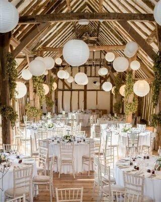 Dekoracje stodoły weselnej