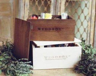 skrzynka z kosmetykami na wesele