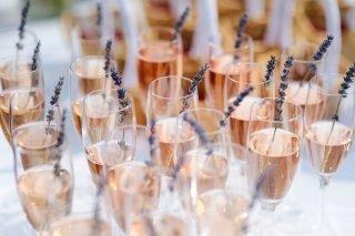 ile wina na wesele