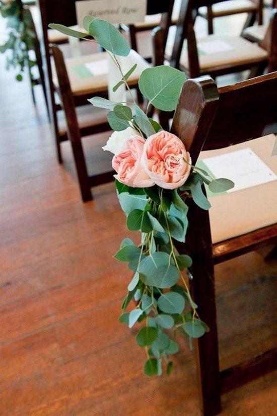 Wystrój kościoła na ślub - świeże kwiaty - zdjęcie 2