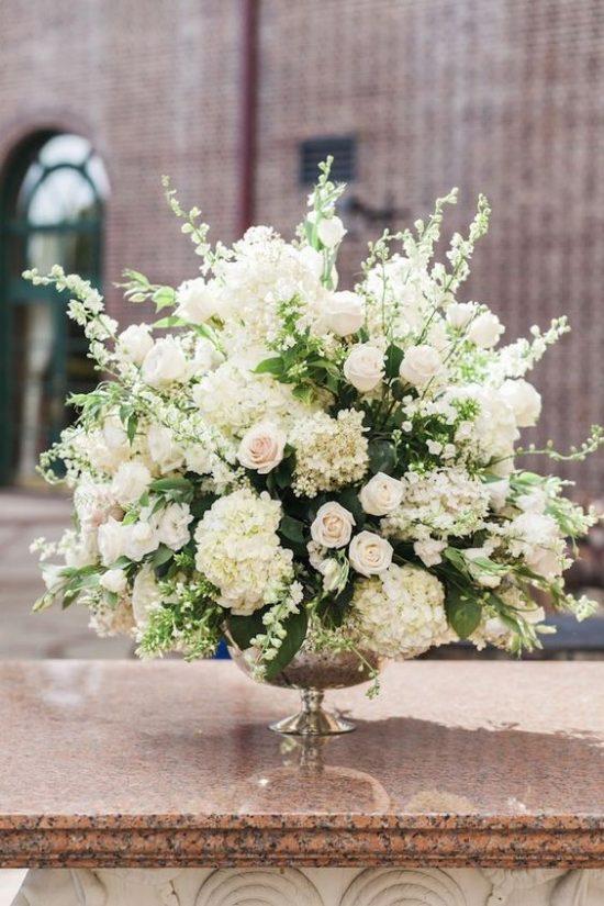 Wystrój kościoła na ślub - świeże kwiaty - zdjęcie 4