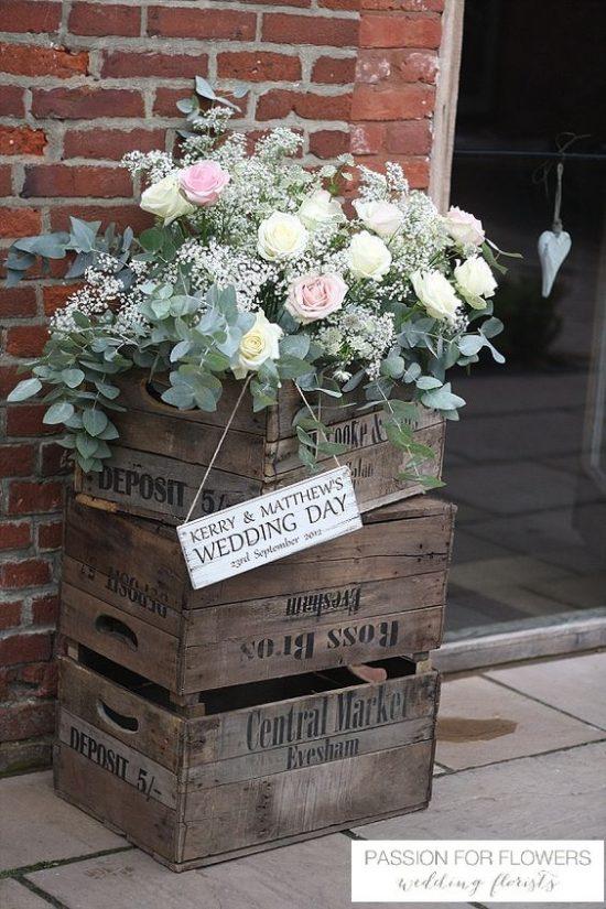 Wystrój kościoła na ślub - świeże kwiaty - zdjęcie 5