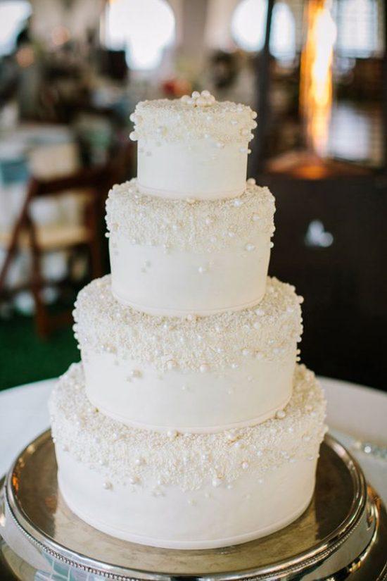 Zimowe dekoracje weselne - tort weselny - zdjęcie 3