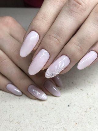 zimowy manicure ślubny z wzorkami