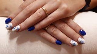 zimowy manicure ślubny płatki śniegu
