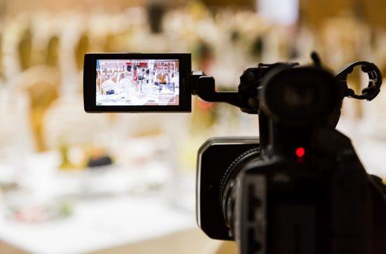 Na co zwrócić uwagę podczas wyboru filmowca na wesele?
